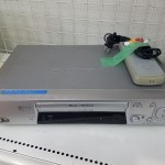 SONY VHS ビデオデッキ SLV-NR300 2002年製