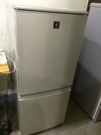 シャープ 2ドア冷蔵庫 2011年製 137L SJ-PD14T