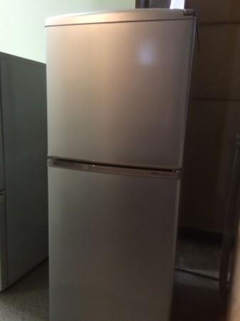 AQUA 2ドア冷蔵庫 2012年製 137L AQR-141A