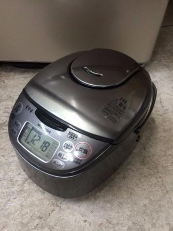 三菱IH炊飯ジャー NJ-KE10 2009年製