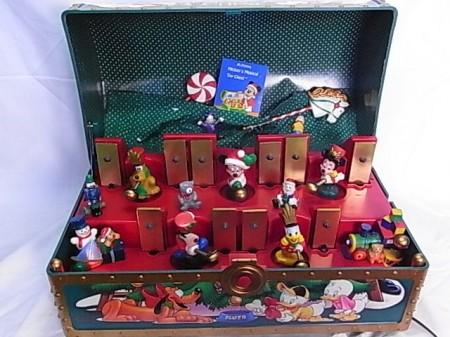 ディズニー MICKEY'S MUSICAL TOY CHEST クリスマスソング オルゴール35曲 パーツ不備有