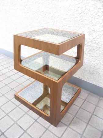 モーダエンカーサ dice pyramid table