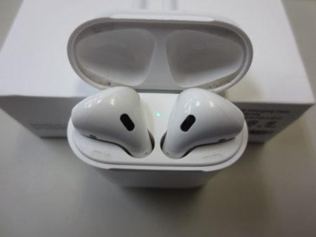 Apple AirPods MMEF2J/A ケース汚れ・スレ有